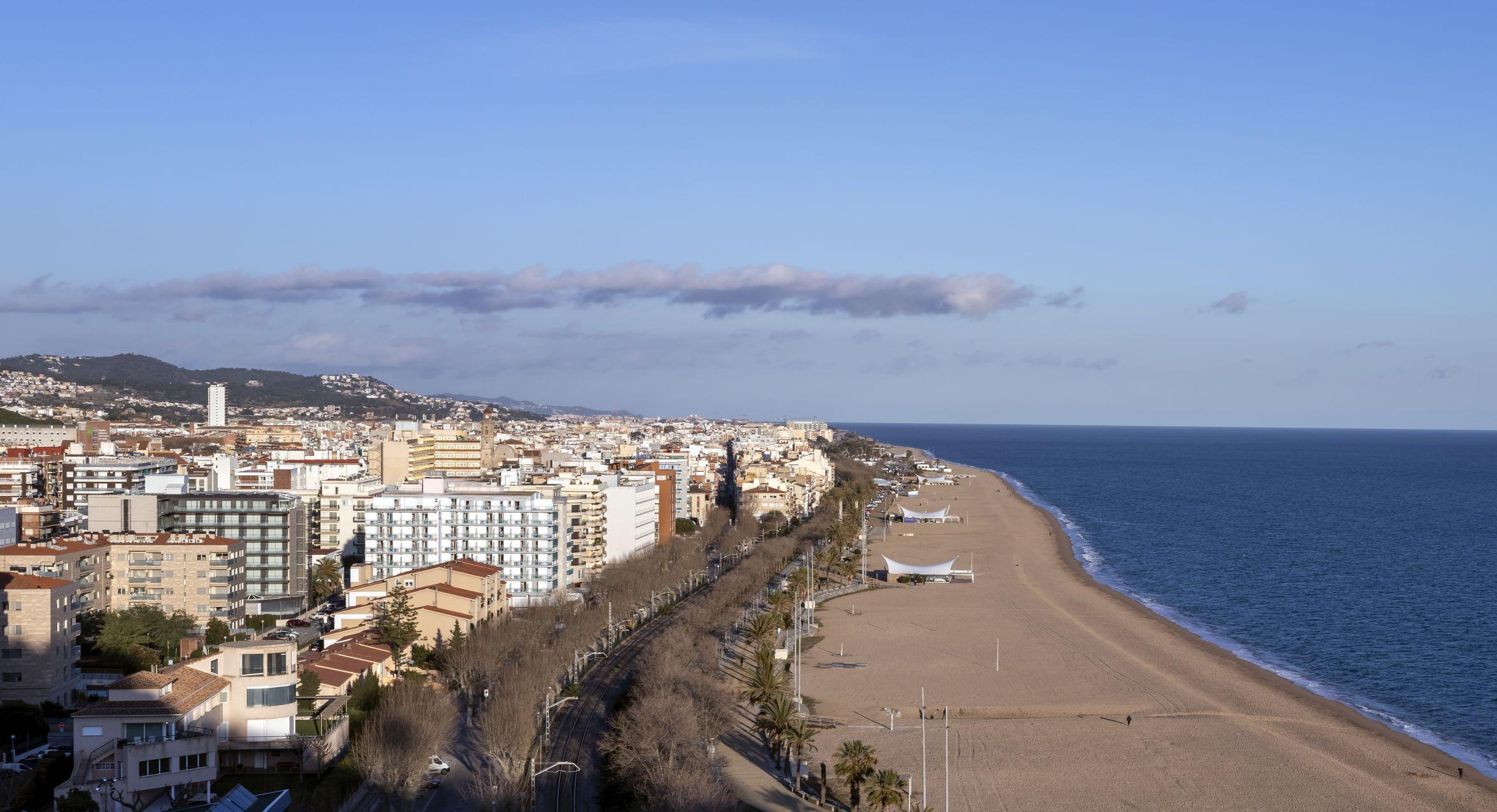 Vista de Calella, al Maresme, on la majoria d'hotels no han obert per Setmana Santa