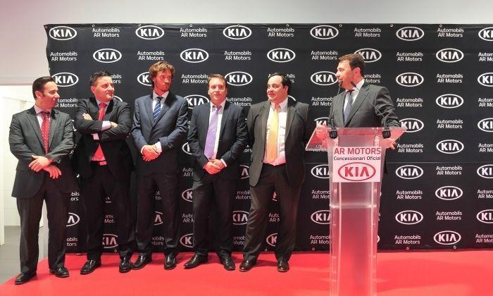 L'equip comercial de Kia a Mataró.