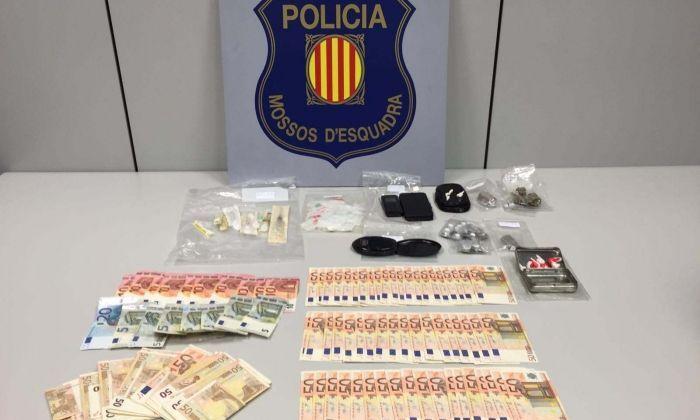Material que els Mossos van intervenir al detingut. Foto: Mossos d'Esquadra