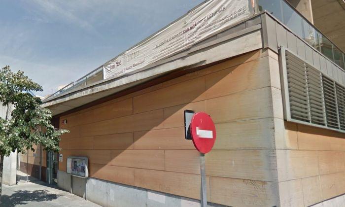 Seu de lassociaió de Veïn de Rocafonda-L'Esperança-Ciutat Jardí al carrer Santiago Rusiñol