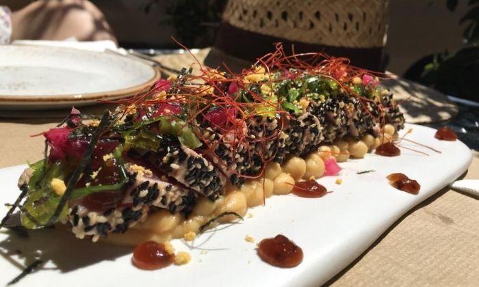 Un dels plats estrella, el tataki de tonyina.