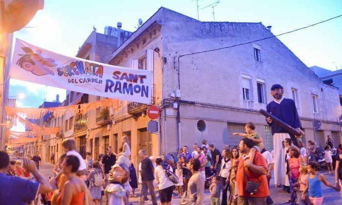 Cercavila al carrer Sant Ramon