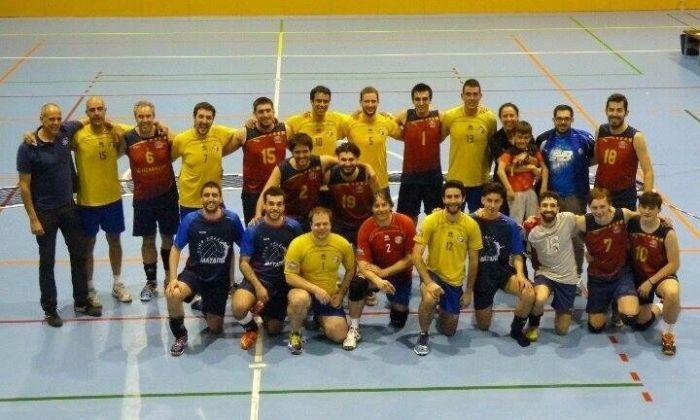 L'equip del CV Mataró que va assolir l'ascens.