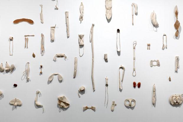 Detall d'una obra de Guillén-Balmes