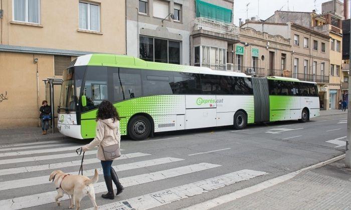 Un dels autobusos de la línia E.11.1. Foto: R.Gallofré