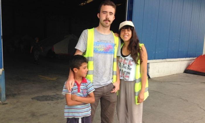 En Joan i la Mercedes, al camp de refugiats. Foto: Cedida