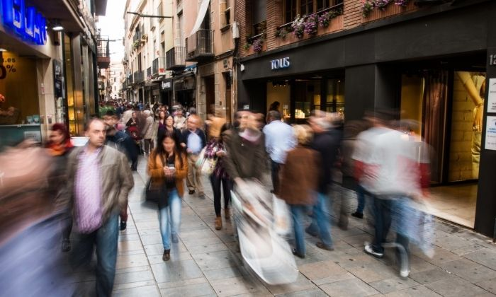 El carrer Barcelona, artèria comercial del centre de Mataró.