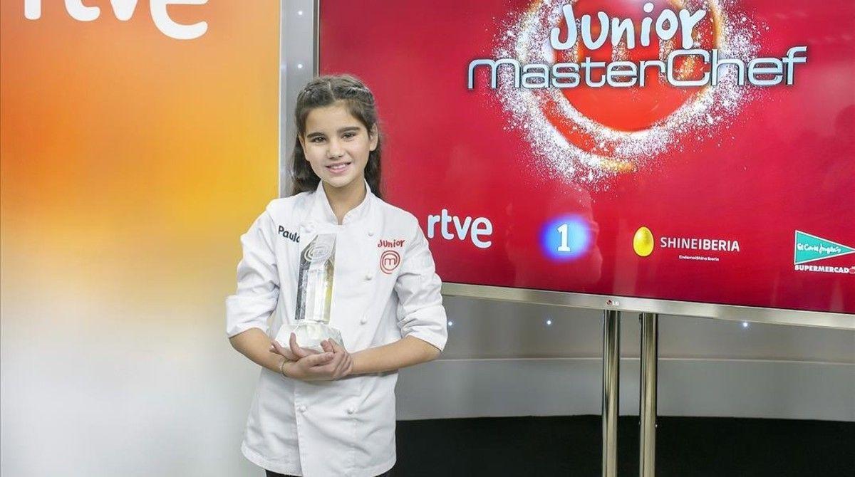 La Paula, amb el trofeu de guanyadora.  Foto: TVE
