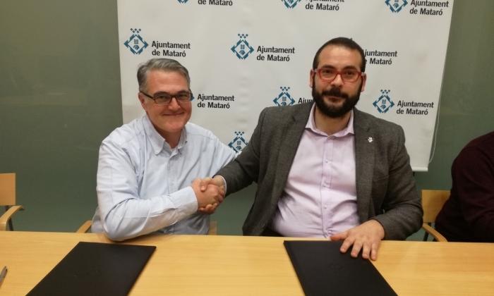 L'alcalde, David Bote, i el líder del PP José Manuel López, escenificant el pacte pel Pressupost