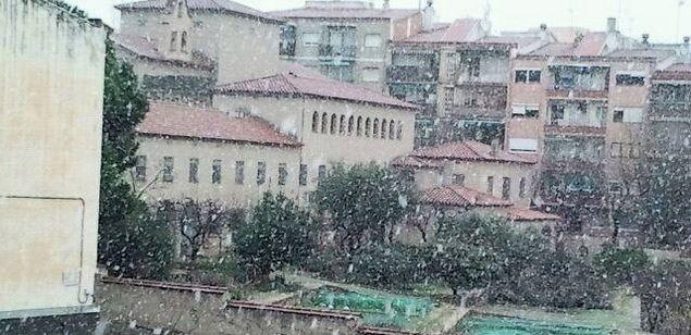 Imatge d'arxiu d'una nevada a Mataró.