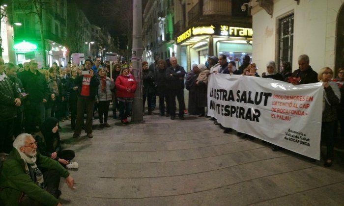 Manifestació de l'Assemblea de Salut de Rocafonda. Foto: R. G.