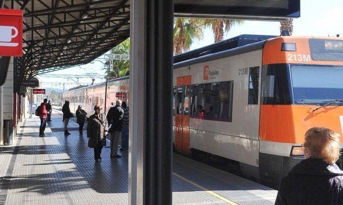 Un tren de Rodalies a l'estació de Mataró. Foto: Arxiu