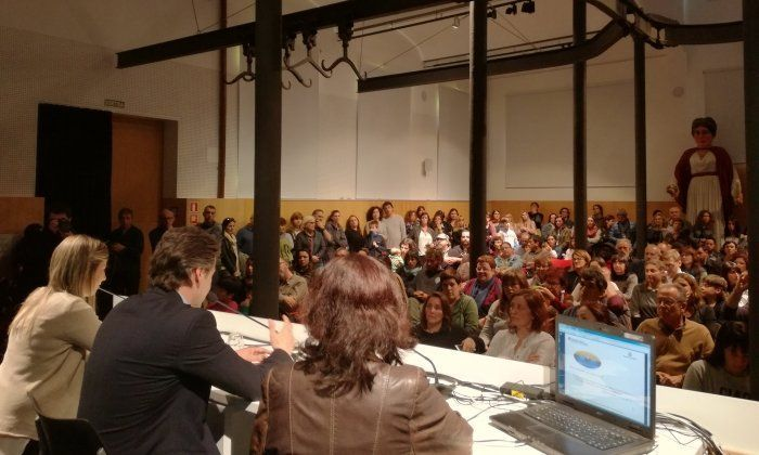 La sala plena durant la presentació del projecte de l'Institut Les Cinc Sènies