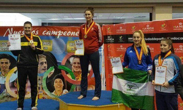 Díaz, a l'esquerra amb la medalla de plata.