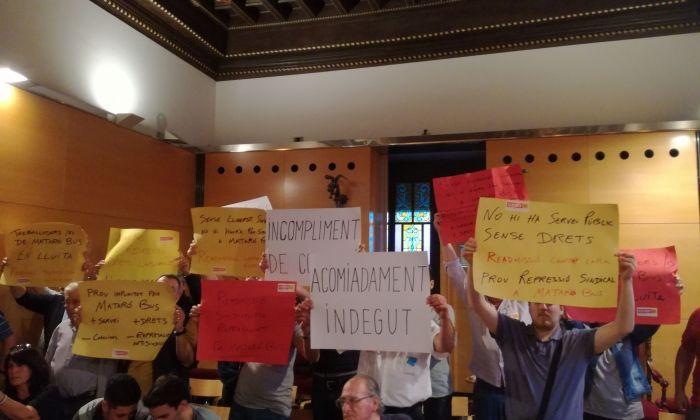 Protesta al Ple. Foto: V. B.