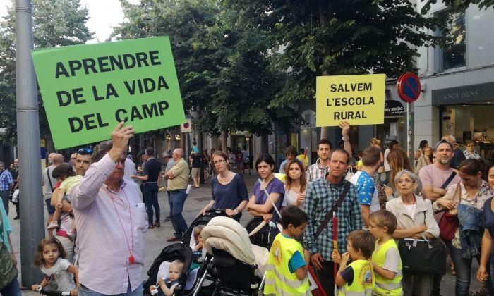 Un instant de la manifestació de les famílies de Casa Nostra. Foto: V. B.
