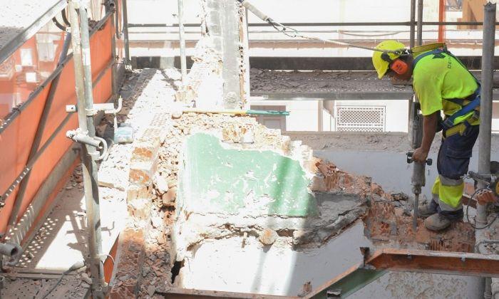 Un treballador de la construcció. Foto: R.Gallofré
