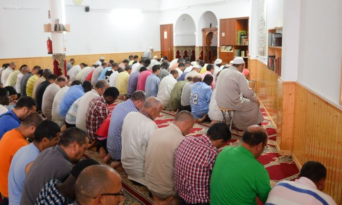 Oratori musulmà, durant la pregària. Foto: R. Gallofré