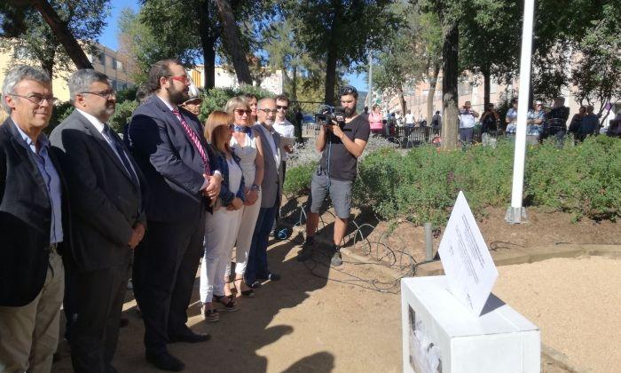 Bote i la resta de representants municipals, amb l'urna al davant