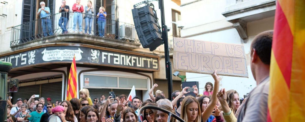 El Frankfurt de La Riera durant la manifestació del 3 d'octubre. Foto: R. Gallofré
