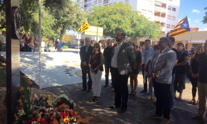 Ofrena floral al monument a Companys. Foto: Ajuntament de Mataró