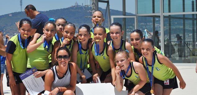 Bons resultats de la sincro matar al campionat de for Piscina municipal premia de mar