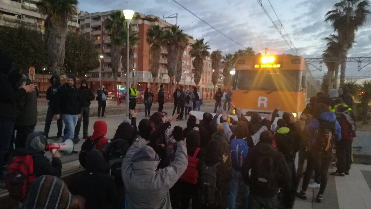 Aturada dels trens a Mataró. Foto: Comitè de Defensa de la República