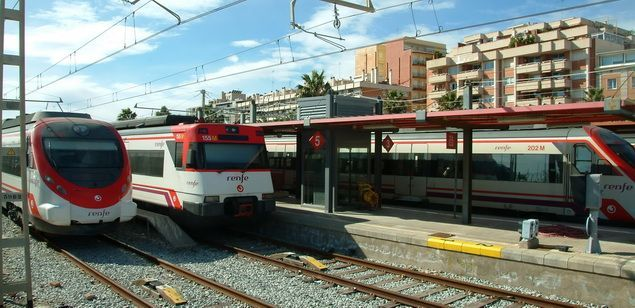 Trens de rodalies a l'estació de Mataró