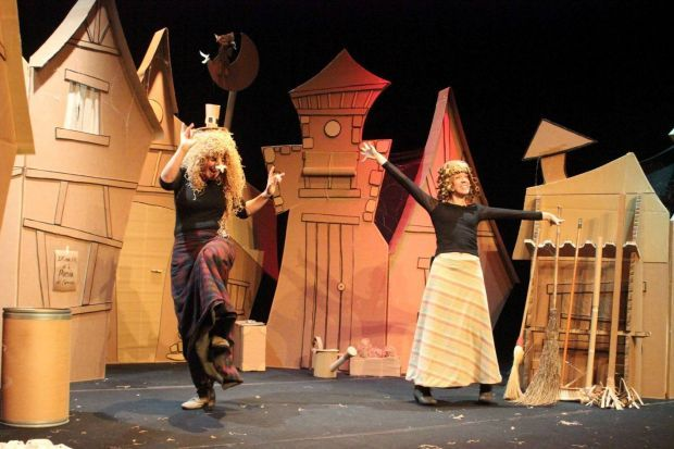 """""""El carreró de les bruixes"""", Pocacosa Teatre"""