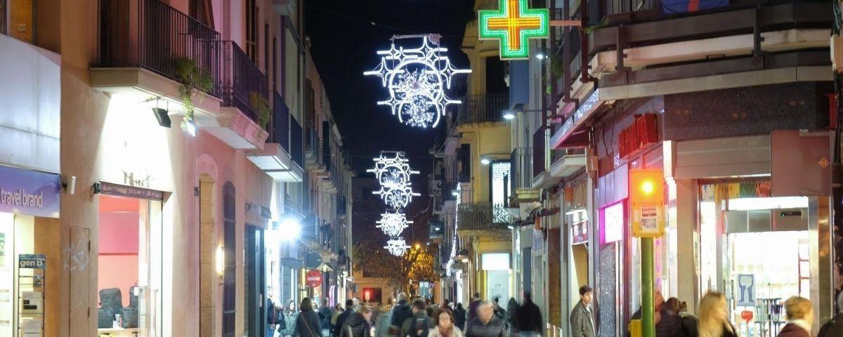 Llums de Nadal durant la passada festivitat. Foto: R. G.