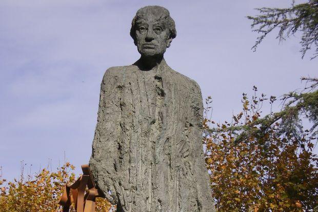 Monument a Josep Puig i Cadafalch