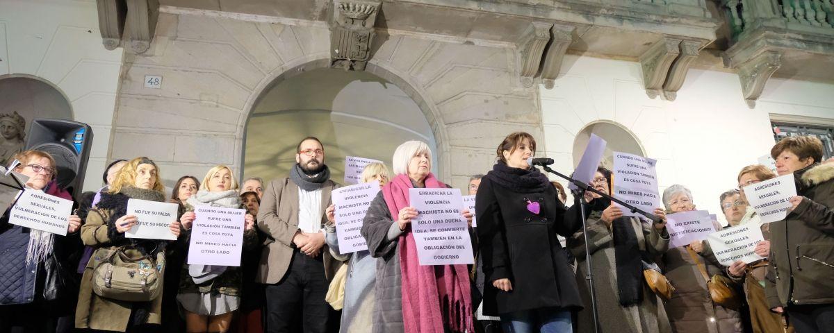 Moment del manifest contra la violència de gènere. Foto: R. G.
