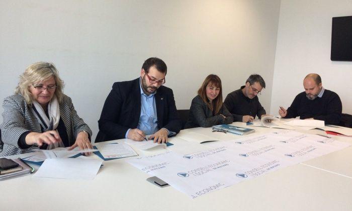Signatura de l'acord. Foto: Ajuntament de Mataró