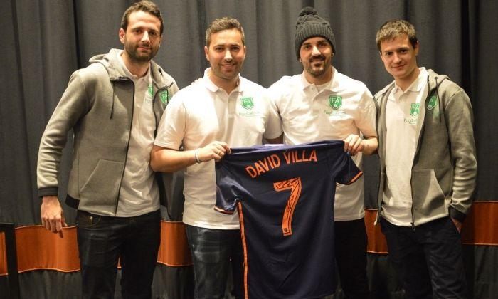 Villa, amb els membres de FootballAim