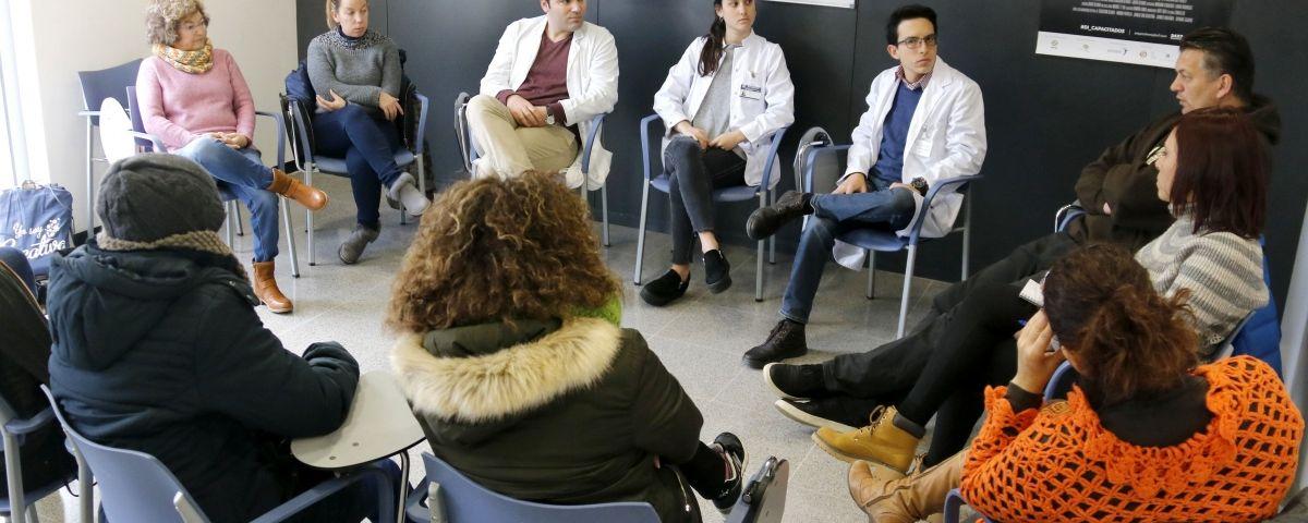 Teràpia de grup de pacients amb trastorn límit de la personalitat del Centre de Salut Mental de l'Hospital de Mataró. Foto: ACN