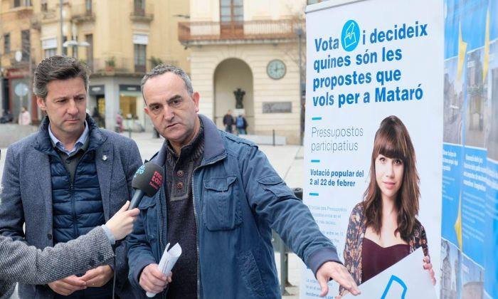 Miquel Àngel Vadell i Juan Carlos jerez durant la roda premsa pressupost participatiu. Foto: R.Gallofré