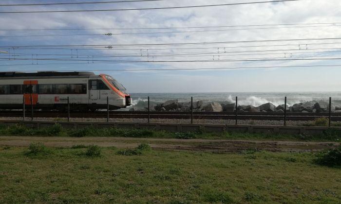 Un tren aturat a Mataró. Foto: V. B.