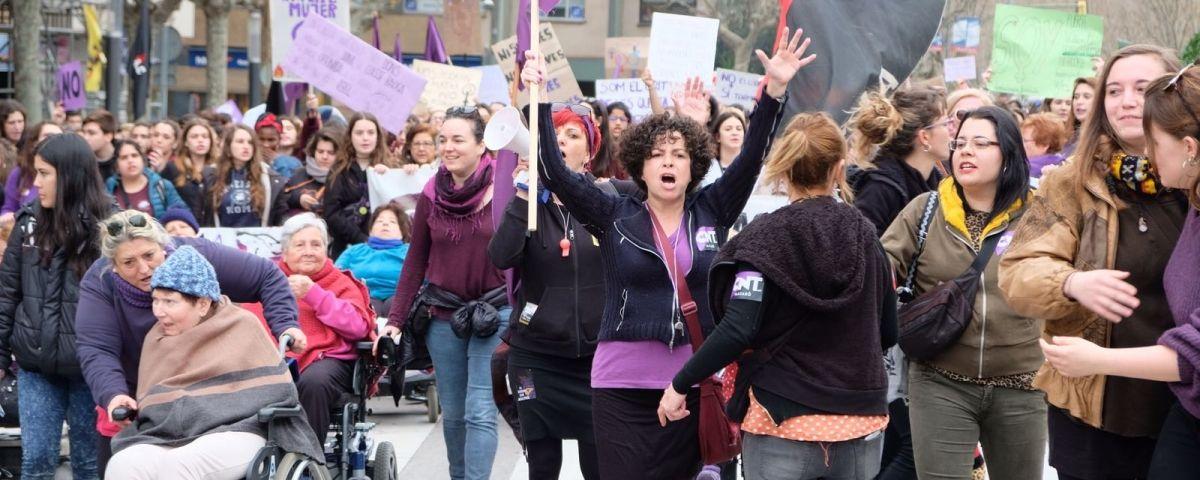Manifestació, al seu pas per plaça d'Espanya. Foto: R. G.