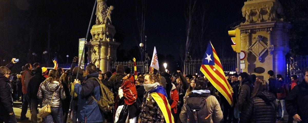 Protestes al Parlament. Foto: ACN