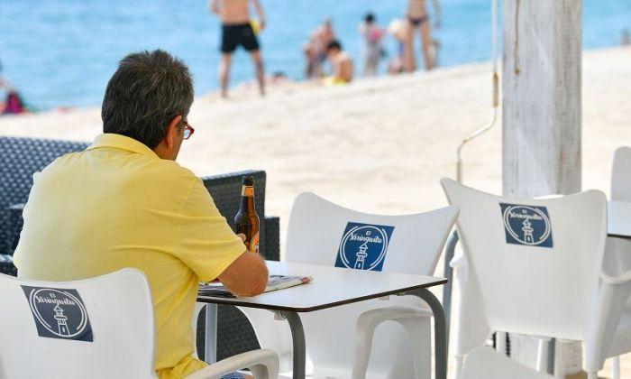 Imatge d'arxiu d'un bar de platja a Mataró