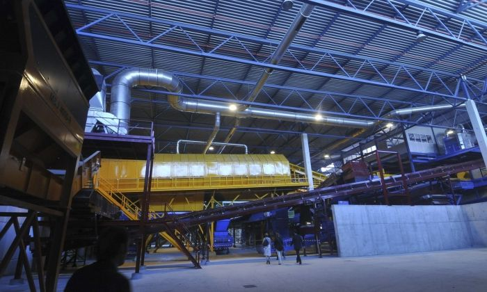 Interior de la planta de tractament de residus de Mataró. Foto: R. G.