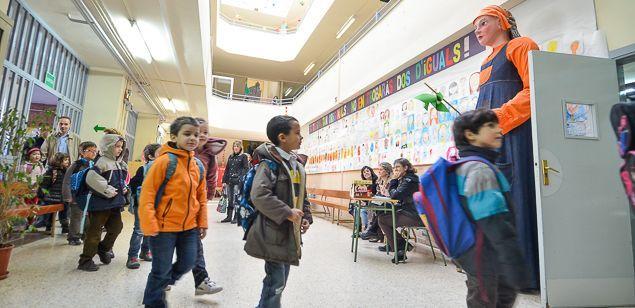 Alumnes de l'Angeleta Ferrer, a l'escola Torre Llauder