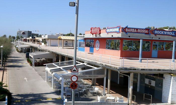 Imatge de la zona comercial del port de Mataró. Foto: ACN