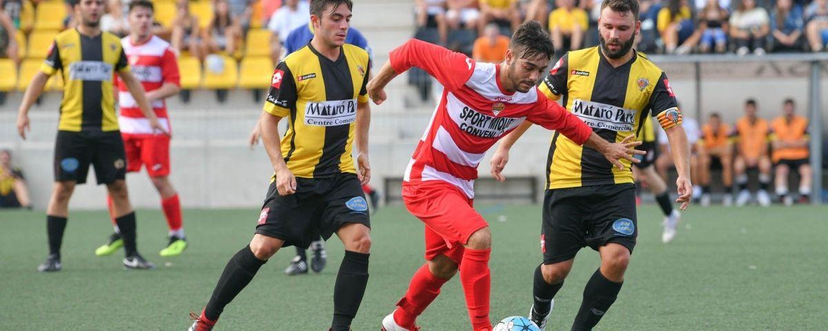 Futbol CE Mataró - Llefià. Foto: R.Gallofré