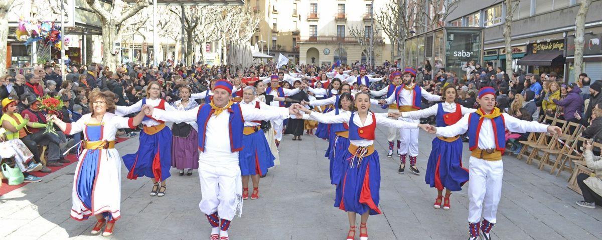 Esbarts dansaires a la Mostra de Cultura Popular