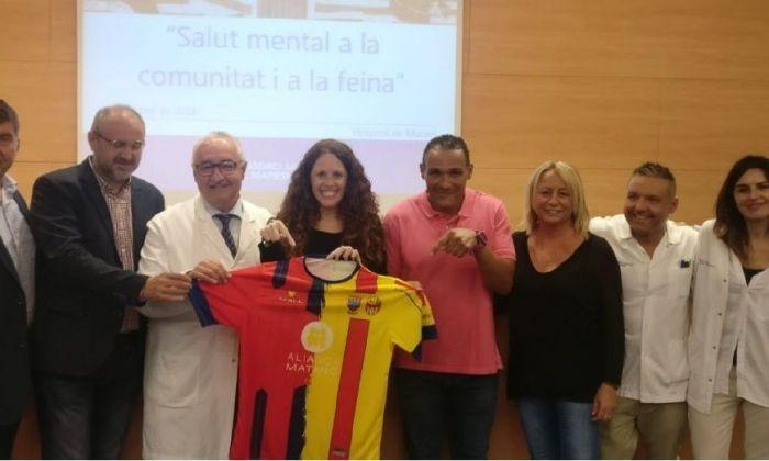 La presentació de l'equip i la samarreta. Foto: cedida