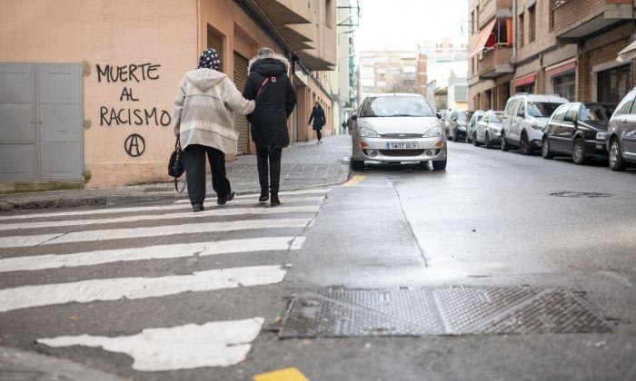 El carrer on van trobar ferit de bala un dels homes involucrats en el tiroteig de dimarts. Foto: R. G.
