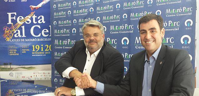Alfonso Millán, gerent de Mataró Parc, i Miquel Rey, en la signatura del conveni