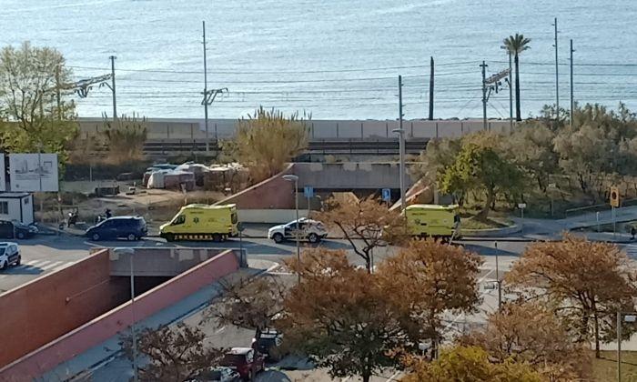 Els serveis sanitaris i Mossos ja han acudit al lloc.