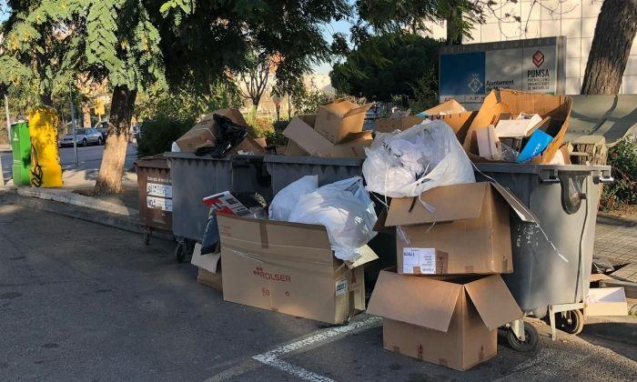Estat habitual de la zona de contenidors. Foto: Ajuntament